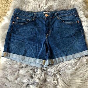 Refuge Mid Rise Cuffed Denim Shorts Size 10